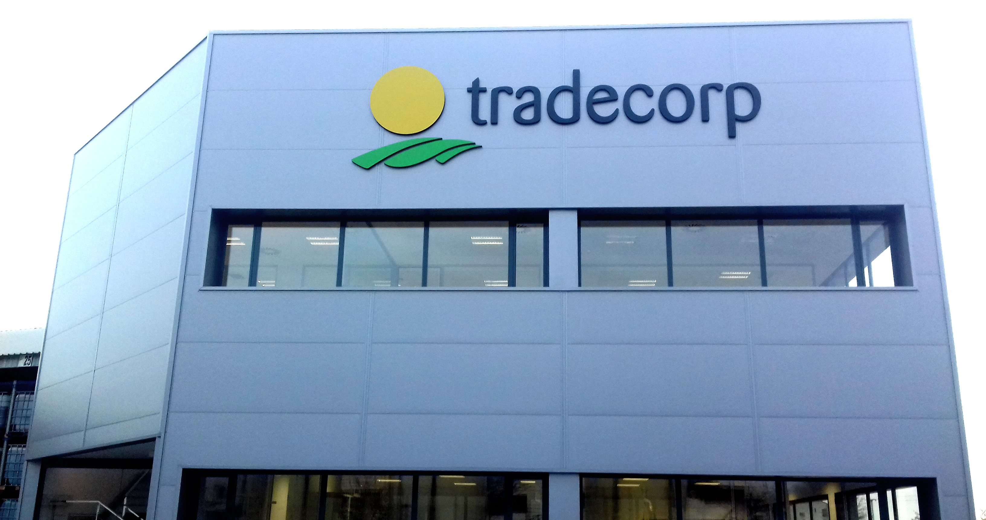 New laboratory building - Tradecorp factory in Albacete
